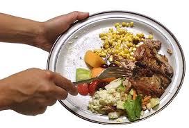 Idee e consigli per educare i bambini a non sprecare il cibo