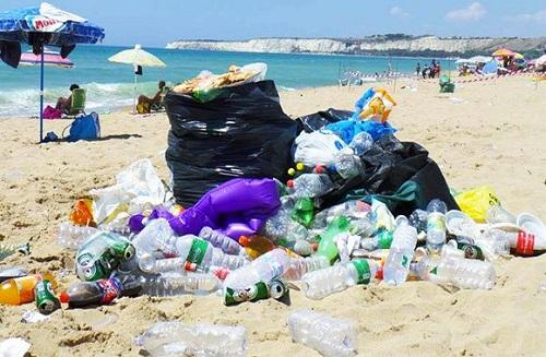 Spiagge come discariche