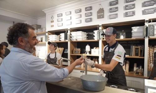 La Romana, gelateria con 70 anni di esperienza, è presente in varie città italiane ed europee.