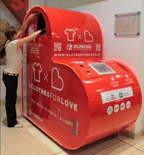 Il contenitore digitale per la raccolta indumenti ideato da Humana e Eurven - Foto: Humana