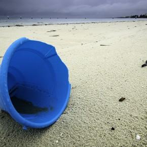 """In Toscana la prima esperienza di """"fishing for litter"""", i pescatori potranno raccogliere le plastiche in mare"""