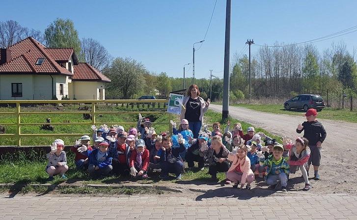 Azione di Clean Up di una Scuola dell'infanzia della Polonia
